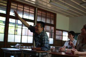 【プレスリリース】歴史ある木造校舎でお茶の授業!
